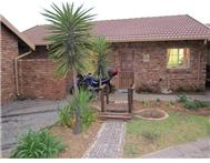 R 795 000 | Townhouse for sale in Elarduspark Centurion Gauteng