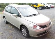 Nissan - Tiida 1.6 Acenta Hatch Back