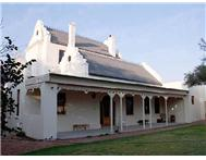 7 Bedroom House for sale in Montagu