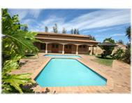 Luxury 3 bedroom apartment with garage - just r579 000!