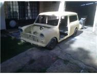 2 x Mini s for sale for R6000