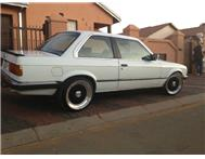 BMW 325i E30 (Box-Shape)
