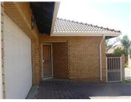 R 1 350 000 | Townhouse for sale in Equestria Pretoria East Gauteng