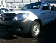 TOYOTA HILUX 2.0 PETROL VVTI SRX ADDITION WITH AIRCON