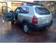 Hyundai Tucson (sun roof) excellent condition for sale 100 000