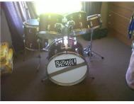 Almost new entry level drum kit for sale - Urgent