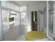 SAFETY CONVENIENCE SECURE SUNSHINE APARTMENT Green Point Cape Town R 13500.00