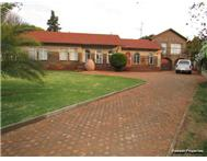R 1 375 000 | House for sale in Roodekrans Roodepoort Gauteng