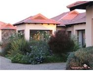 2 bedroom complex for sale in Woodland hills Bloemfontein