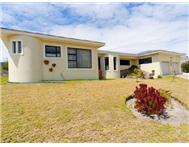 3 Bedroom house in Pringle Bay