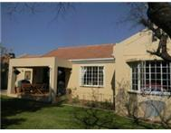 3 Bedroom 2 Bathroom Townhouse for sale in Douglasdale