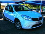 2011 Renault Sandero 1.6 United 1.6 White Price R89900.00