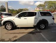 AWESOME MITSUBISHI TRITON 2.5 DID D/C 4X4 WITH CANOPY & LEATHER