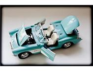 1/18th scale die-cast metal model 1957 Chevrolet Corvette