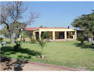 Smallholdings Bultfontein 2 Houses with natrual dam: 8 5 ha
