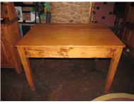 Oregon Pine table for sale good condition