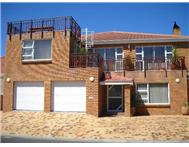 10 Bedroom house in Melkbosstrand