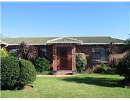 3 Bedroom House for sale in Summerstrand