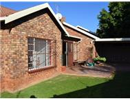 R 880 000 | Flat/Apartment for sale in Sinoville Pretoria North East Gauteng