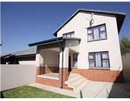 R 1 850 000 | Flat/Apartment for sale in Fourways Sandton Gauteng