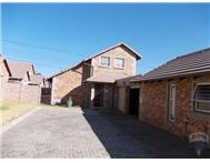 R 930 000 | Townhouse for sale in Birchleigh Ext 19 Kempton Park Gauteng
