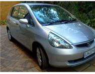 2007 White 1.5i V-tec Honda Jazz with 97000km air-bags air-c