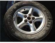 Range Rover 4.6 HSE Rims and Tyres