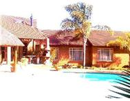 4 Bedroom House for sale in Raslouw