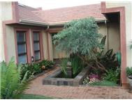 3 Bedroom House for sale in Buffelspoort