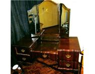Beautiful Old Fashion Dressing Table for Sale!