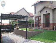 R 1 320 000 | Townhouse for sale in Equestria Pretoria East Gauteng