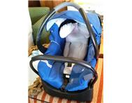 Piccolo baby car seat/carrier