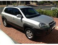 2008 Hyundai Tucson 2.0 Silver with 73000km UNDER WARRANTY