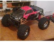 RC HPI SAVAGE MONSTER TRUCK 1:8
