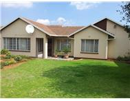 3 Bedroom House for sale in Ridgeway Ext 4