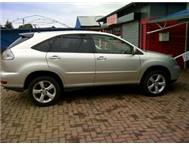 REDUCED - Silver Lexus RX300 - excellent condition