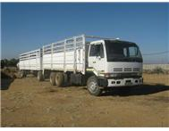 2001 NISSAN CW290 with Cattle Trailer Diesel