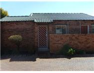Townhouse Pending Sale in FLORIDA GLEN ROODEPOORT
