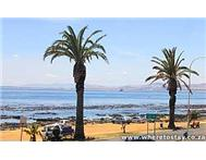 African Beach Studio Self Catering Apartment/ Flat in Holiday Accommodation Western Cape Mouille Point - South Africa