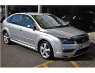 Ford - Focus 1.6 Si Hatch Back