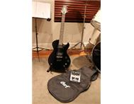 Cort Zenox Z40 Electric Guitar / Gig bag / Stand / Pedal