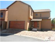 3 Bedroom Cluster in Fourways