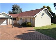 3 Bedroom 2 Bathroom House for sale in Glen Marais