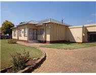 3 Bedroom House for sale in Dunnottar