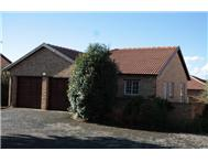 Townhouse to rent monthly in RUIMSIG ROODEPOORT