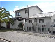 4 Bedroom House for sale in Country Club