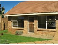 2 Bedroom Townhouse to rent in Langenhovenpark