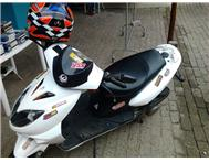scooter for sale or swop excellent cond.R6000