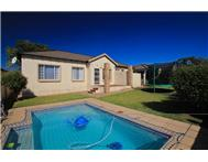 Townhouse Pending Sale in NORTHGATE RANDBURG