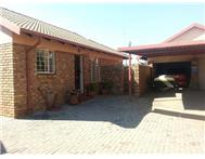 R 875 000 | Townhouse for sale in Pierre Van Ryneveldpark & Ext Centurion Gauteng